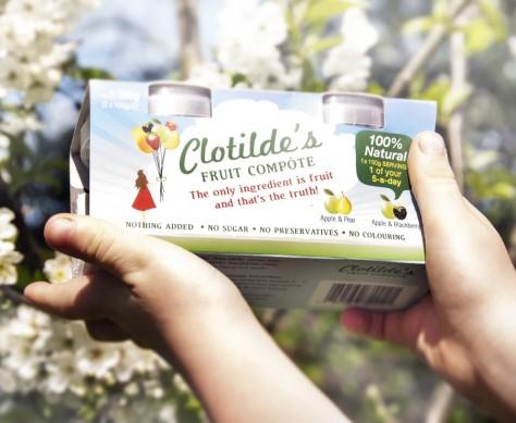 Clotildes-blossom-with-Billys-hands-1-900x740