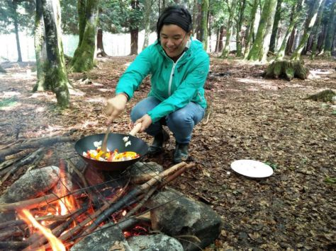 cooking-on-an-open-fire-food