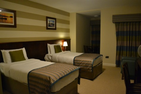 strandhill-lodge-and-suites-room